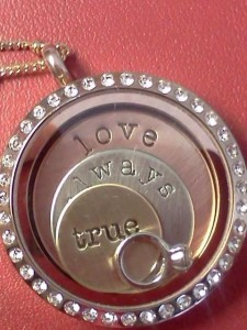 Origami Owl Review with Day by Day Beauty